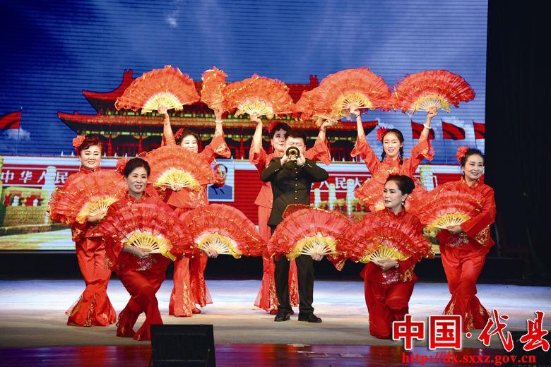 图为少儿舞蹈表演《美丽中国梦》